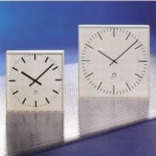 Стрелочные часы MOBATIME SLIM QUAD