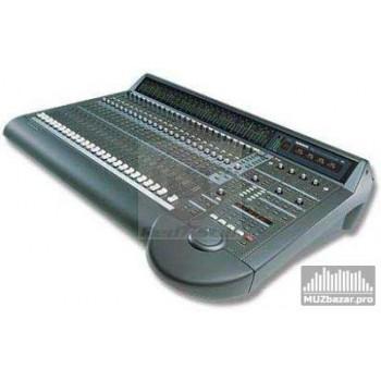 Mackie D8-B (48X8X2) 8-BUS BASIC DIGITAL MIXER CON